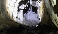 Uvnitř jeskyně